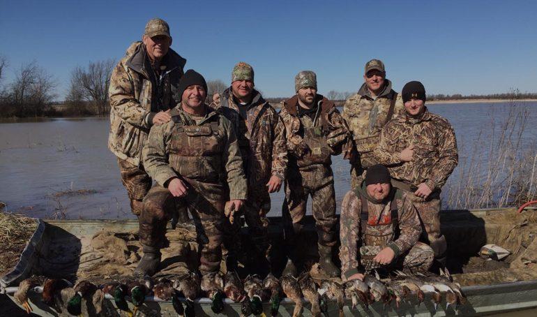private-duck-hunting-club-arkansas-black-river
